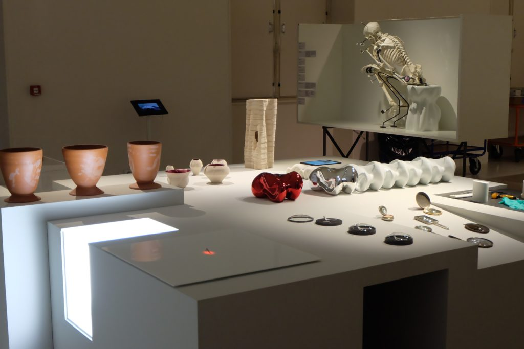 boryana petkova, contemporary ceramique, art contemporain, porcelain, interaction, exhibition, museum